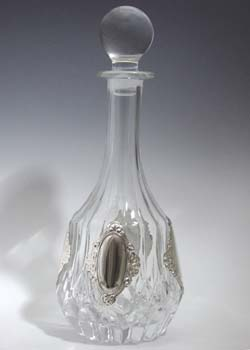 CRYSTAL & SILVER WINE DECANTER 1301-4.